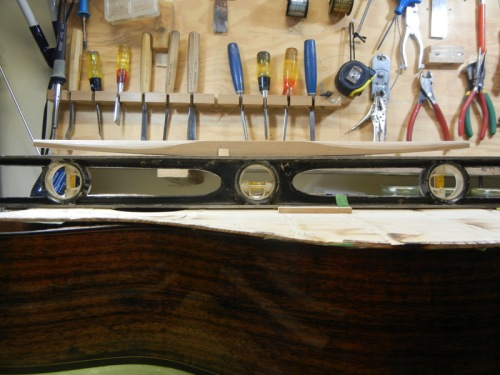 Selmer style main brace is curved like this